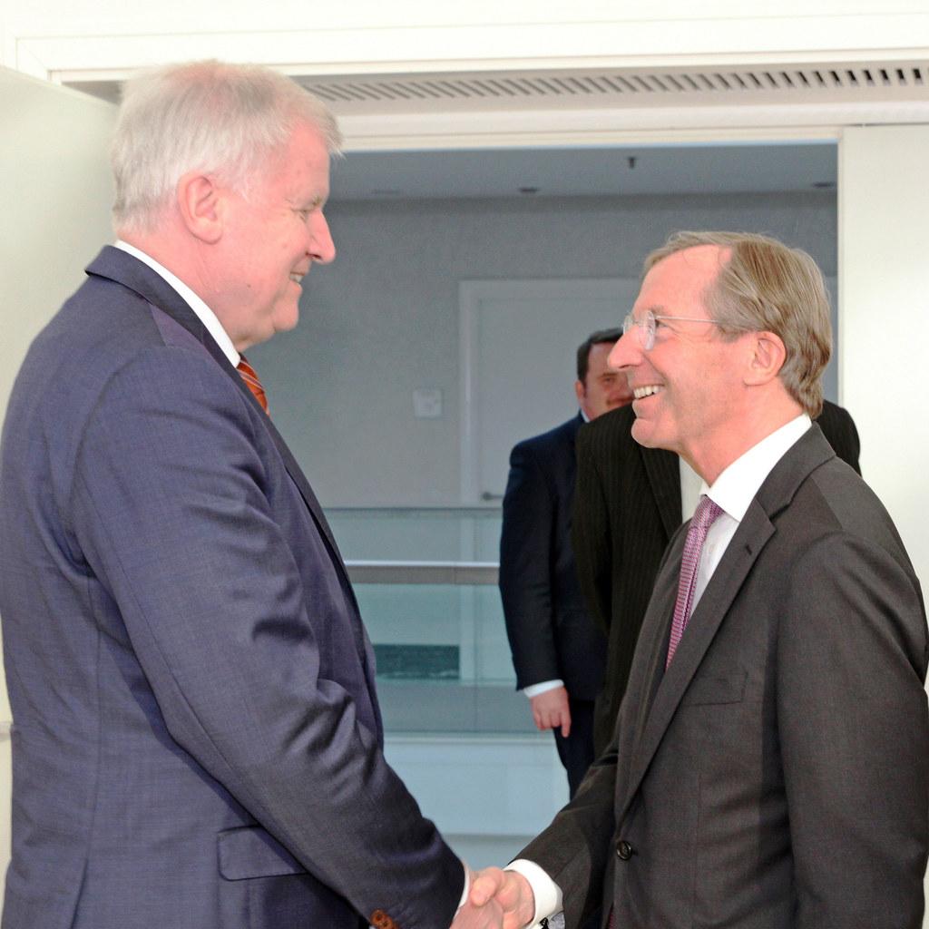 Ministerpräsident Horst Seehofer und Landeshauptmann Wilfried Haslauer bei einem..