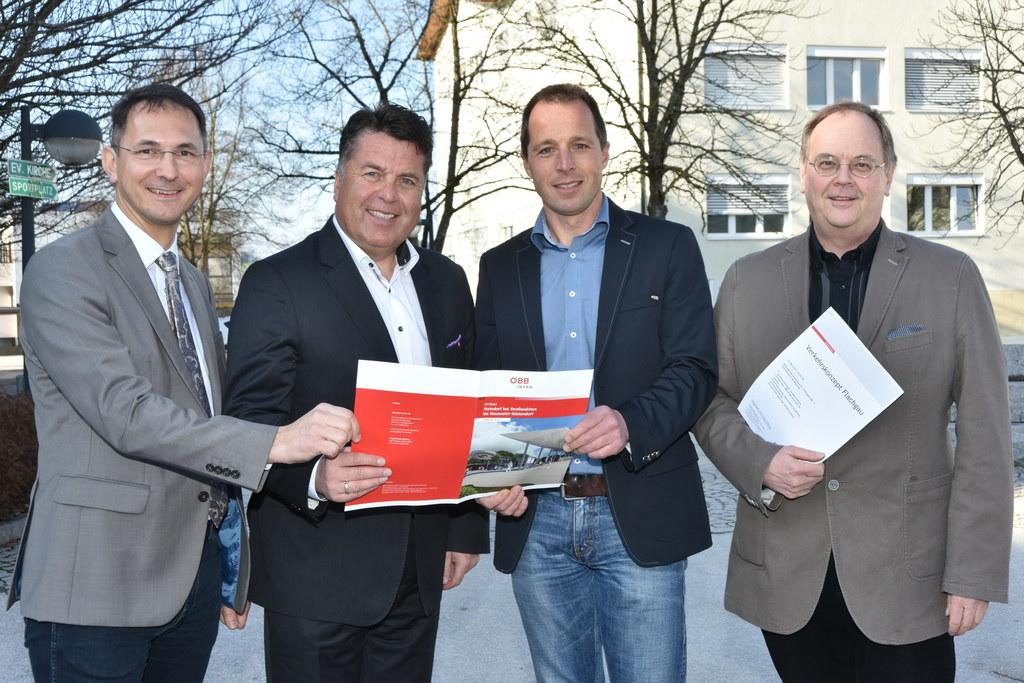 Bürgermeister Adi Rieger, Landesrat Hans Mayr, Christian Höss (Projekte Neu- und..