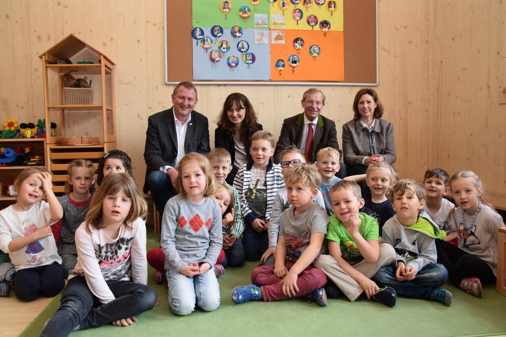 v.l.: Bürgermeister Peter Brandauer, Landesrätin Martina Berthold, Landeshauptma..