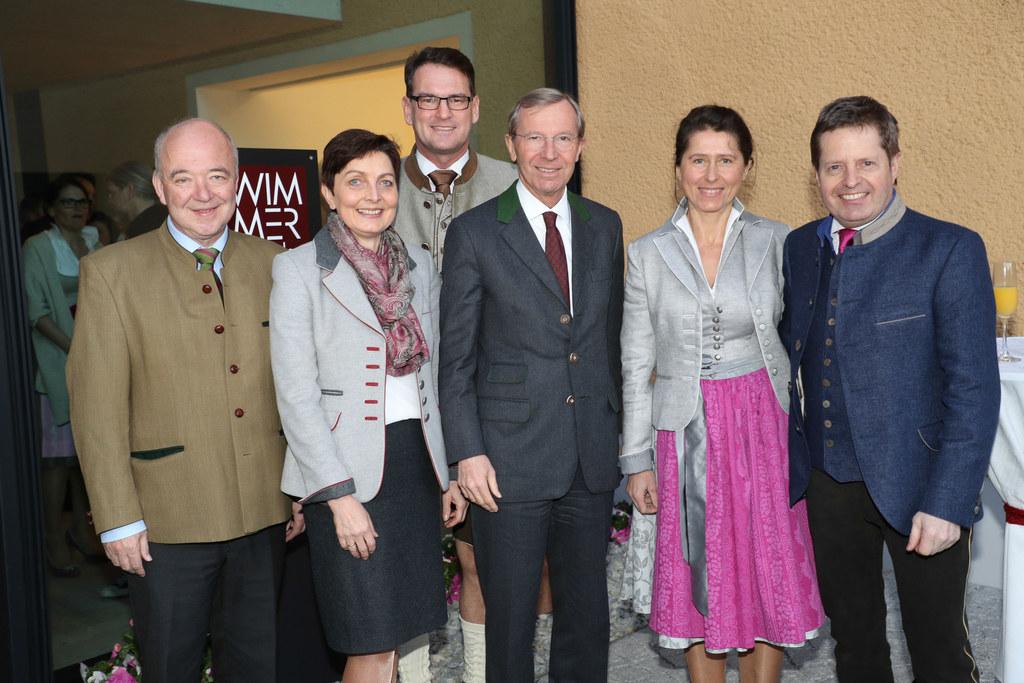 v.li. Wirtschaftskammerpräsident Konrad Steindl, Landtagsabgeordnete Theresia Ne..