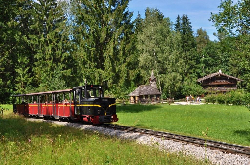 Auch die Museumsbahn im Salzburger Freilichtmuseum in Großgmain ist am Wochenend..