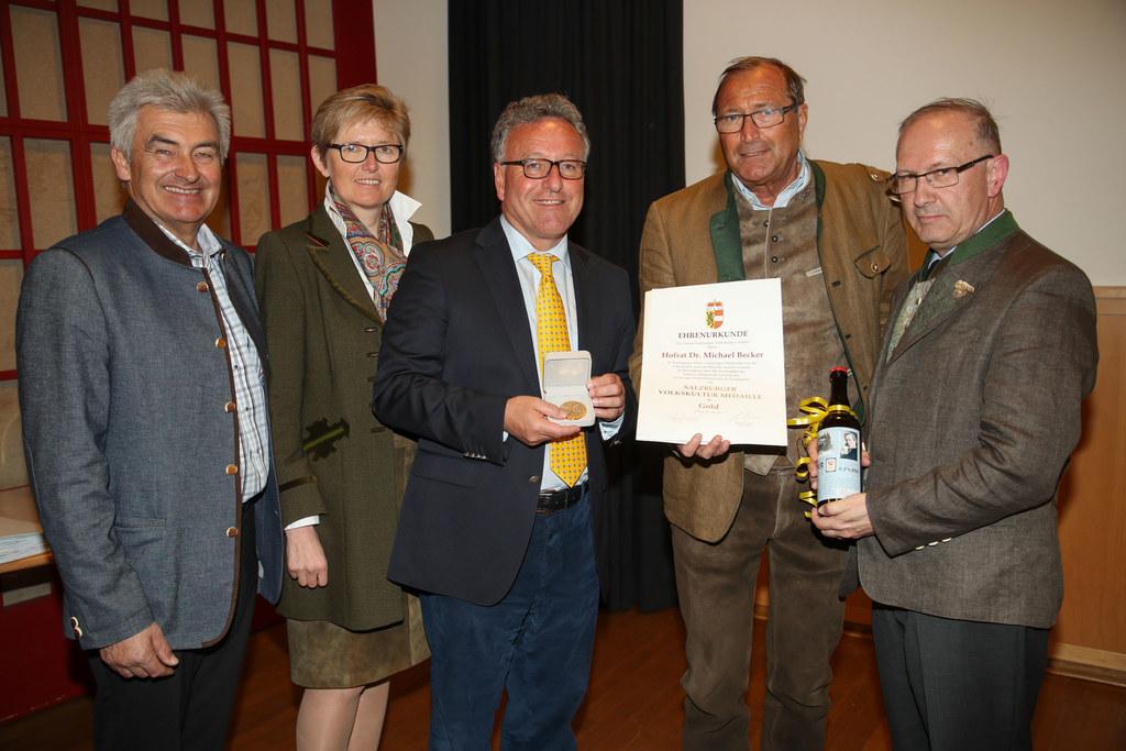 Vorsitzender Simon Illmer, Berta Wagner, LR Heinrich Schellhorn, Michael Becker ..
