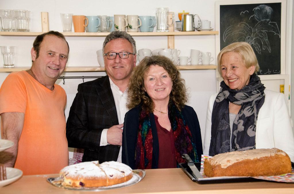 Robert Knosp,  Caféhausmitarbeiter; LR Heinrich Schellhorn; Johanna Linner, sozi..