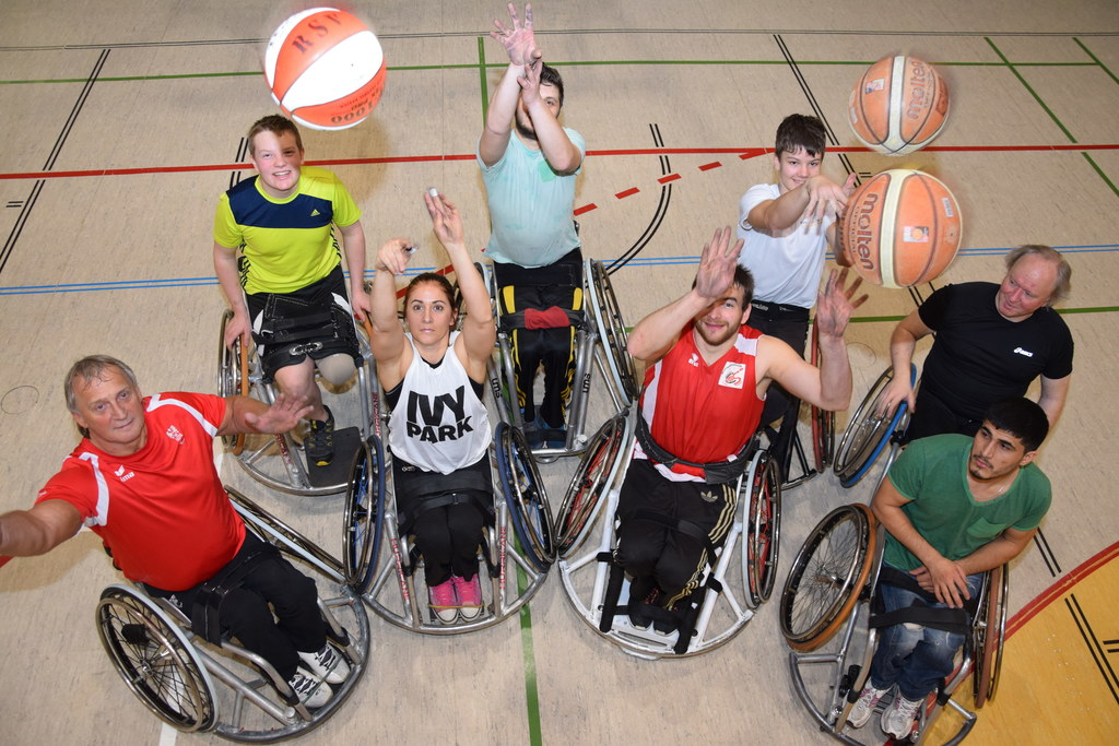Seit 15 Jahren ist Jugendreferentin Conny Wibmer im Rollstuhlsportverein Basket ..