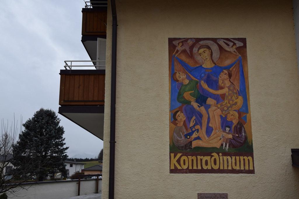 Das Konradinum in Eugendorf wird durch einen Neubau ersetzt. Das Grundstück dafü..