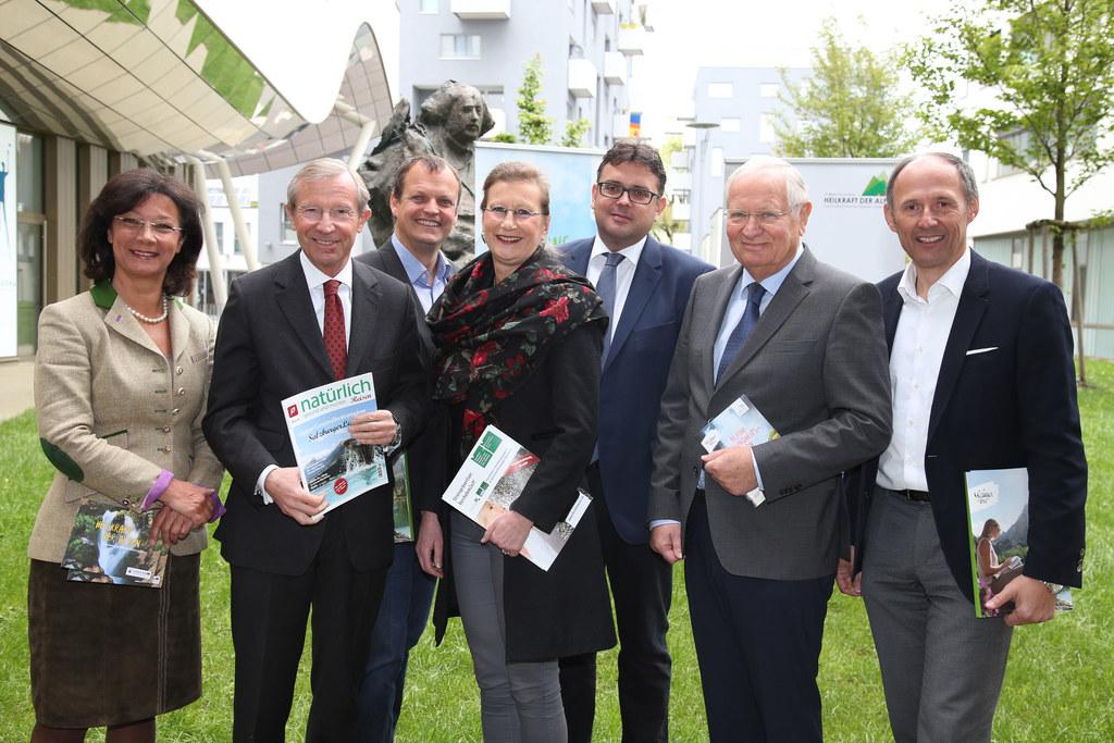 Ulrike Köstler Vorstand Plattform Heilkraft der Alpen, LH Wilfried Haslauer, Arn..