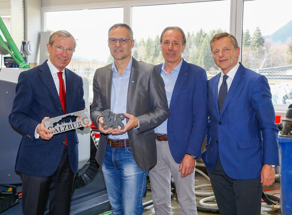Landeshauptmann Wilfried Haslauer, Firmenchef Jürgen Moser, Bürgermeister Herber..