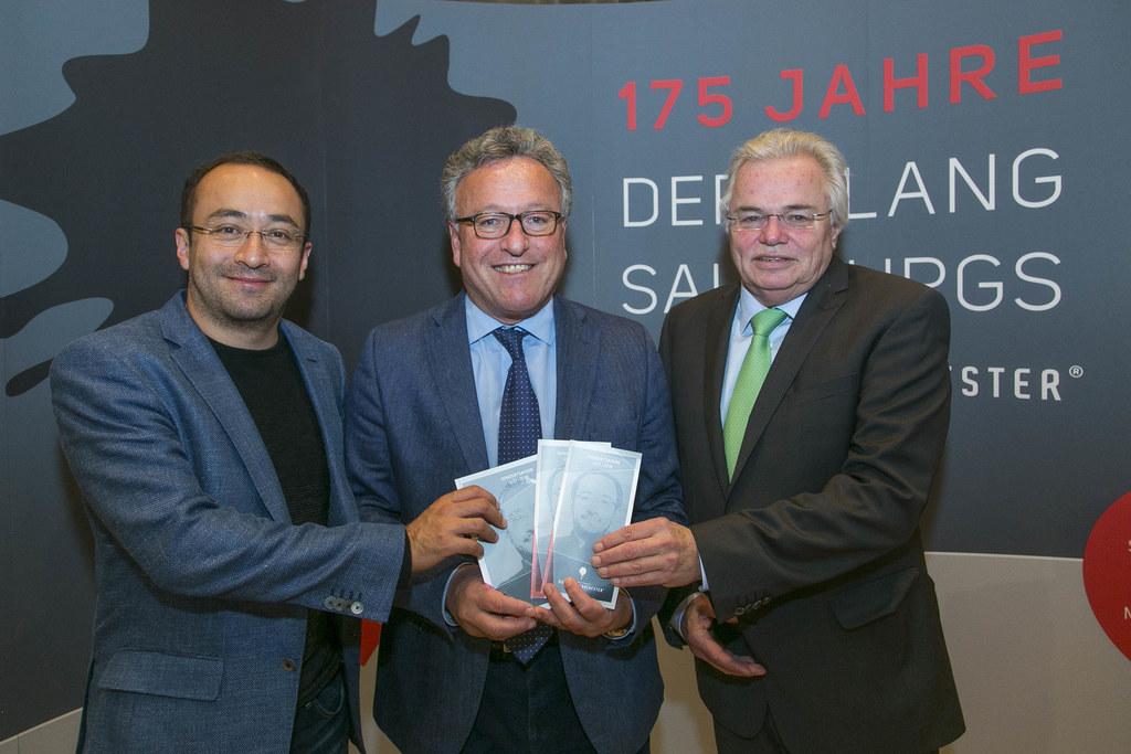 Chefdirigent Riccardo Minasi, Landesrat Heinrich Schellhorn und Thomas Wolfram (..