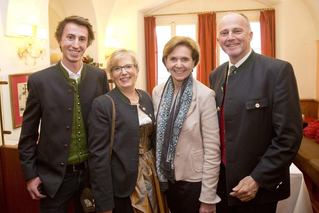 Josef Eisl, Christine Eisl, Landtagspräsidentin Brigitta Pallauf und Sepp Eisl