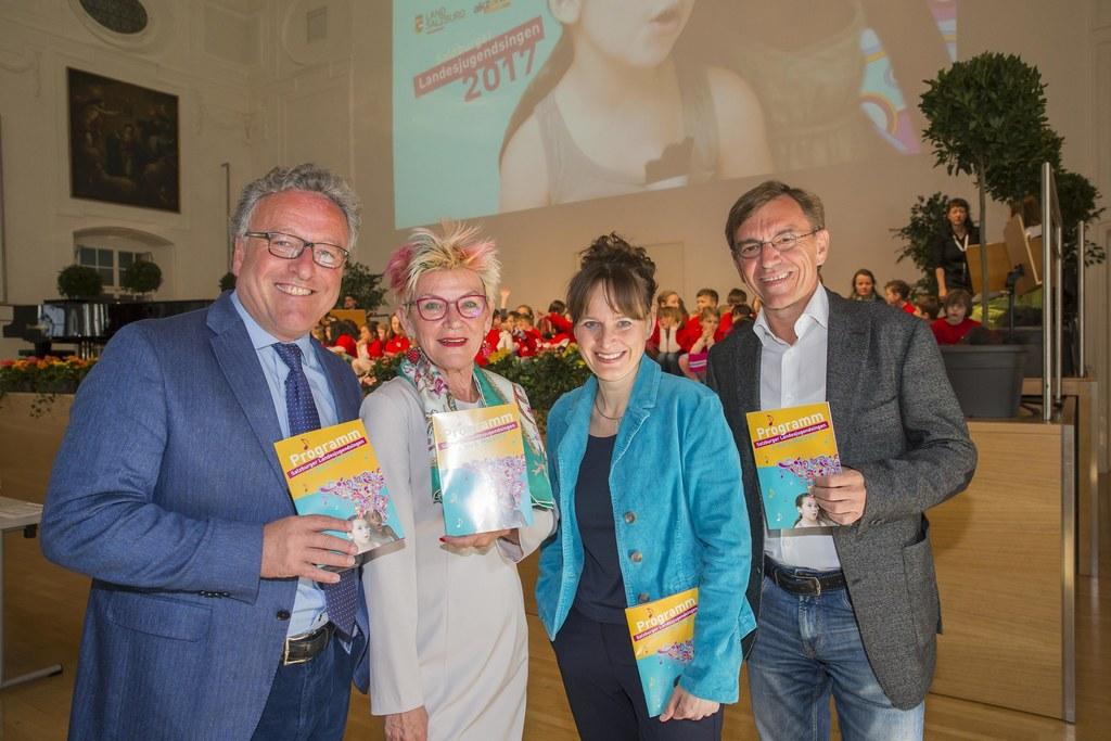 Landesrat Heinrich Schellhorn, Christa Musger, Landesrätin Martina Berthold und ..