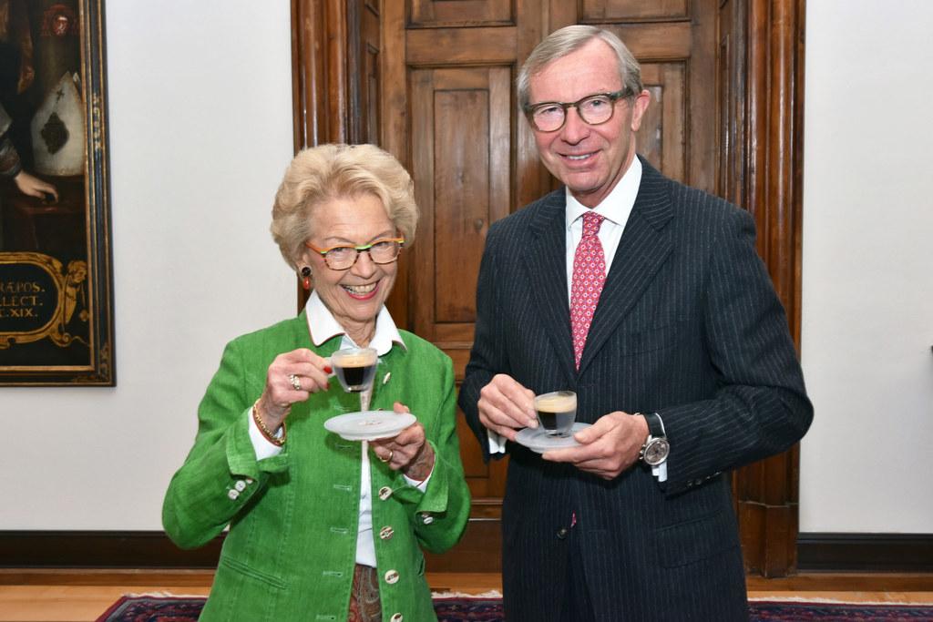 Vera Tomaselli und Landeshauptmann Wilfried Haslauer