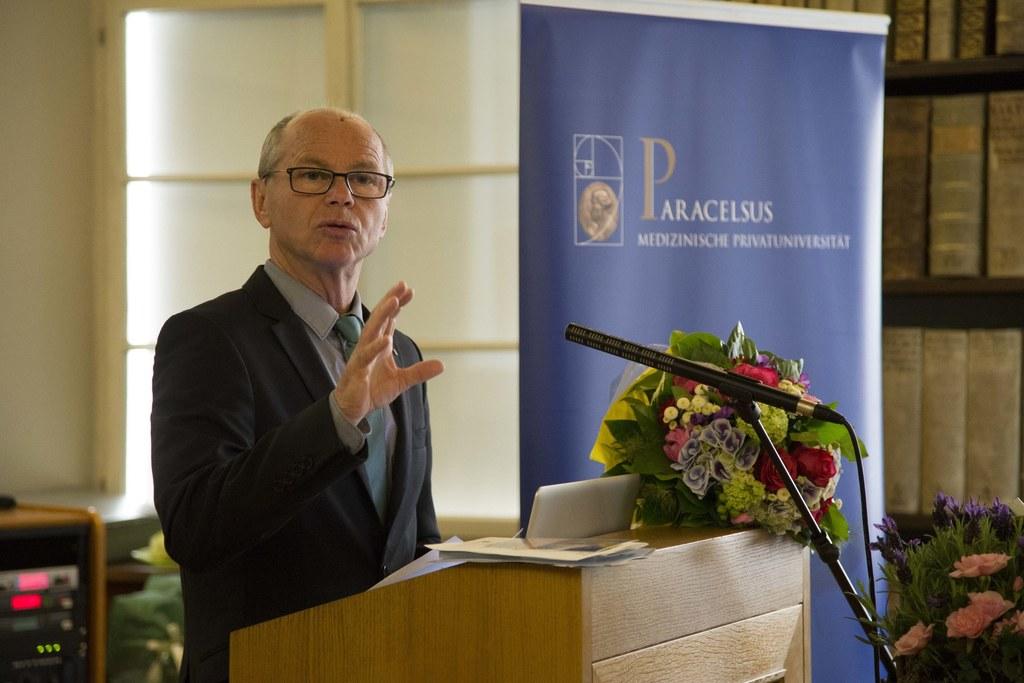 Landeshauptmann Christian Stöckl beim Gründungssymposium Rare Disease Cluster Sa..