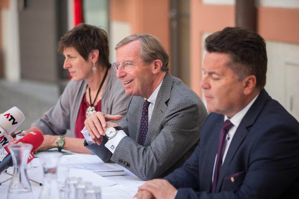 Landeshauptmann-Stellvertreterin Astrid Rössler, Landeshauptmann Wilfried Haslau..