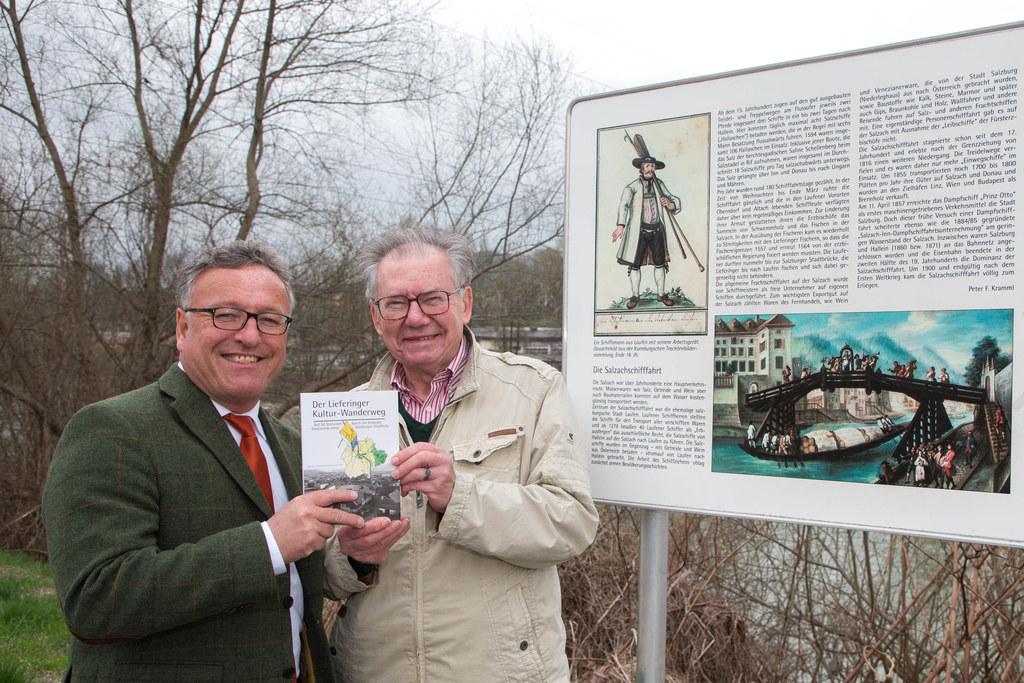 Landesrat Heinrich Schellhorn und Werner Hölzl, Obmann des Vereins Stadtteil Sal..