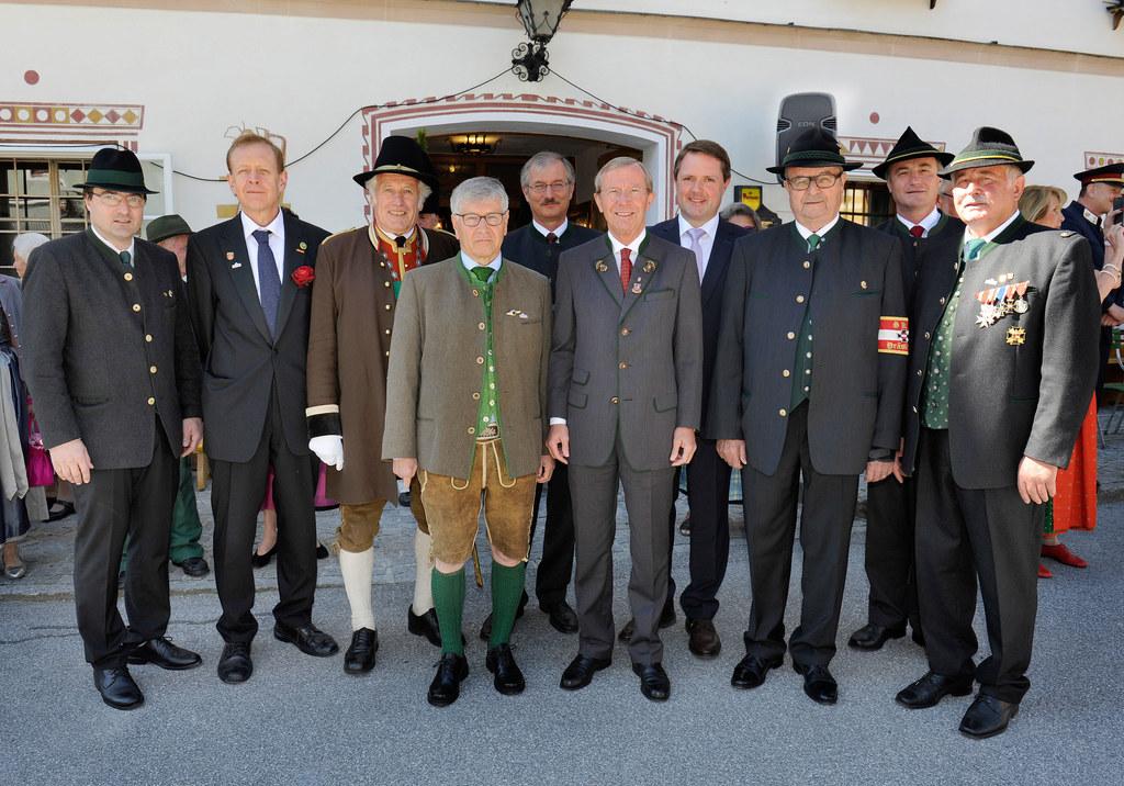 vlnr.: Präsident KB Salzburg Bgm Josef Michael Hohenwarter, Bgm Partnergemeinde ..