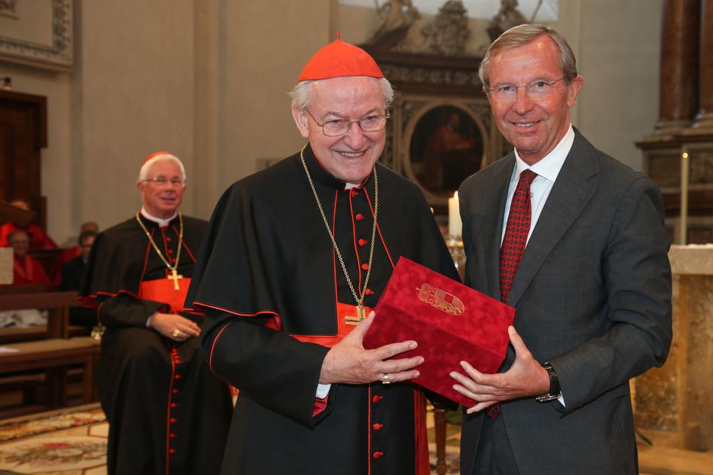 Im Bild v. li: Erzbischof Franz Lackner, emeritierter Erzbischof Alois Kothgasse..