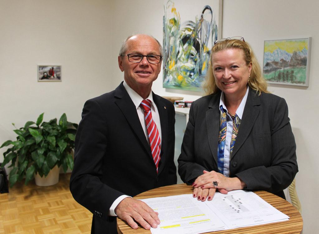 Landeshauptmann-Stellvertreter Christian Stöckl mit Bettina Ganghofer