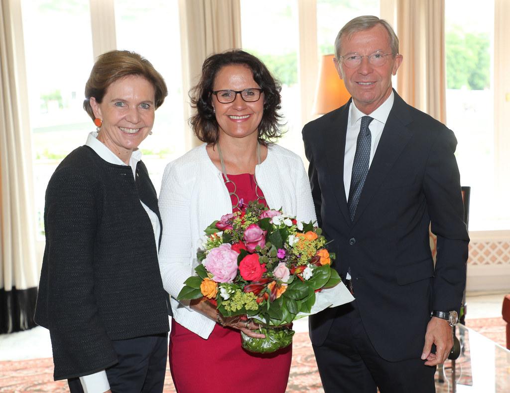 Landtagspräsidentin Brigitta Pallauf, Daniela Gutschi und Landeshauptmann Wilfri..