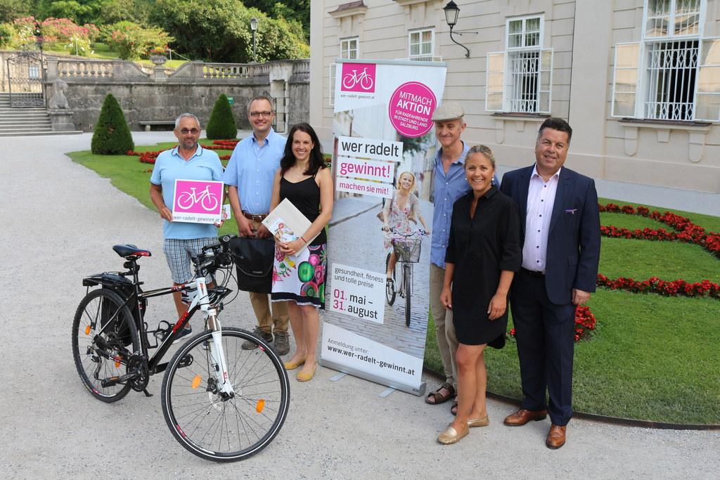 Herr Wimmer, Christian Vitzthum, Sandra Zanotti (Gewinnerinnen), Radverkehrskoor..