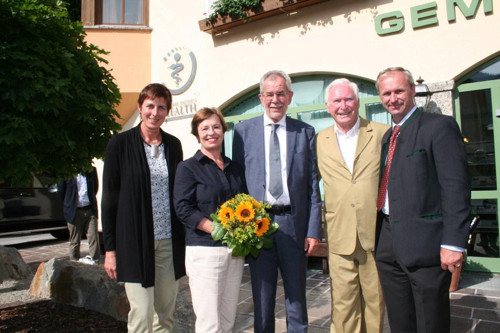 LH-Stv. Astrid Rössler, Doris Schmidauer, Bundespräsident Alexander van der Bell..