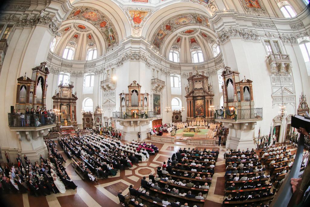 Weihe von Hans Jörg Hofer zum neuen Weihbischof von Salzburg im Dom zu Salzburg