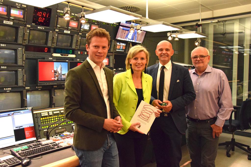 Tobias Pötzelsberger, Romy Seidl, ORF-Landesdirektor Christoph Takacs und Kurt L..