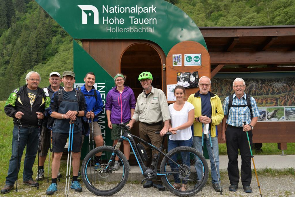 Junior-Ranger Adriana Atzmüller, Ranger Werner Schuh, Anna Pecile (Nationalparkv..