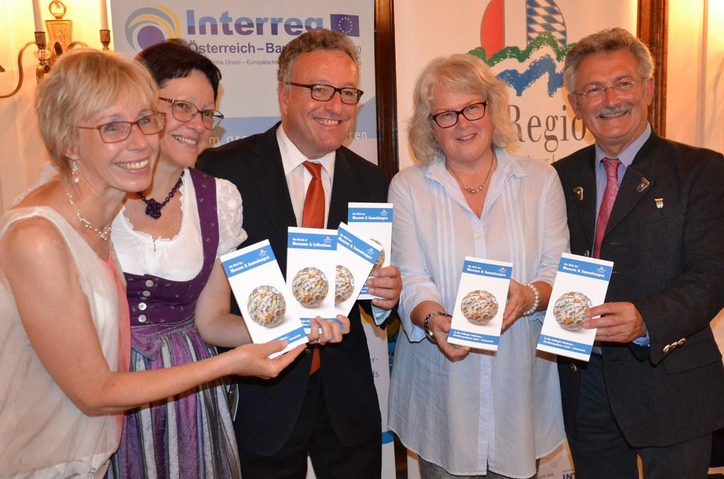 Gaby Pursch von der EuRegio-Geschäftsstelle, Dagmar Bittricher vom Referat Volks..