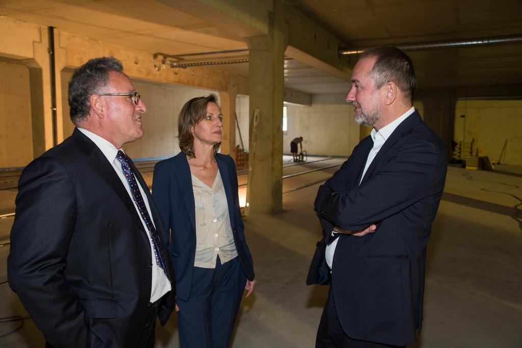 Landesrat Heinrich Schellhorn, Direktiorin Sabine Breitwieser und Bundesminister..