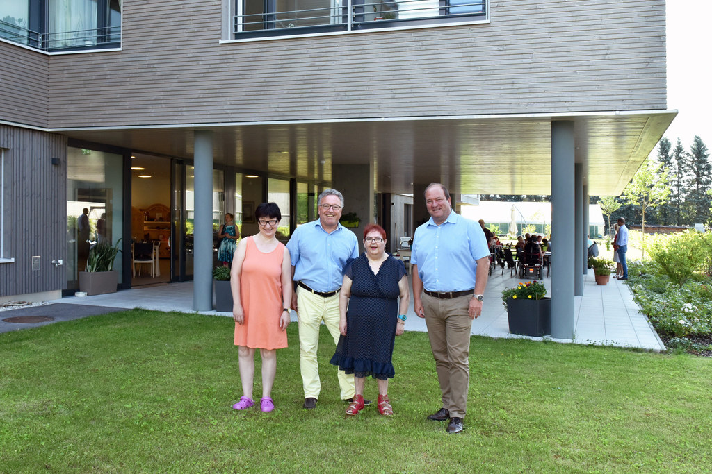 Marie-Luise Grabner, Landesrat Heinrich Schellhorn, Helene Radanak und Jürgen Re..