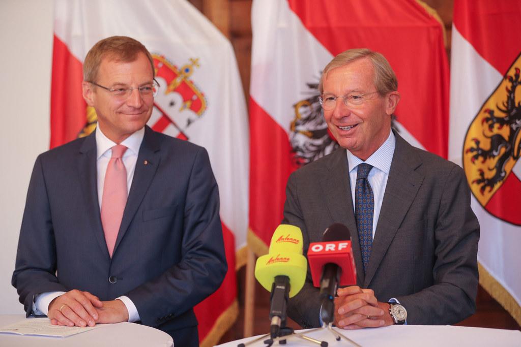 Die beiden Landeshauptleute Thomas Stelzer und Wilfried Haslauer.