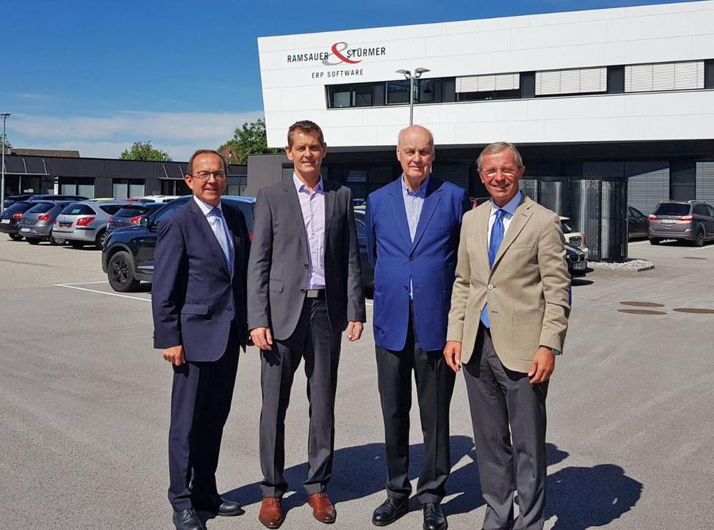 Landeshauptmann Wilfried Haslauer besuchte kürzlich die Firma Ramsauer und Stürm..