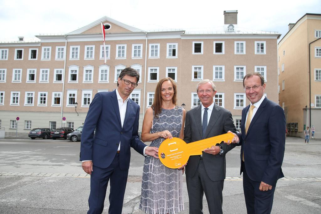 Arch. Stephan Schurich, Bildungsministerin Sonja Hammerschmid, LH Wilfried Hasla..