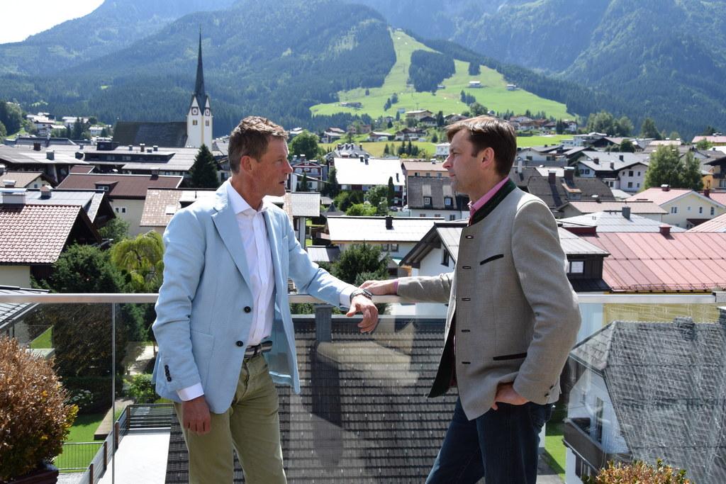Hotelier Markus Gutjahr und Johann Schnitzhofer, Bürgermeister Abtenau