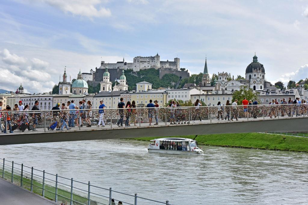 Die Tourismus-Sommerbilanz fällt bisher für Stadt und Land Salzburg sehr erfreul..