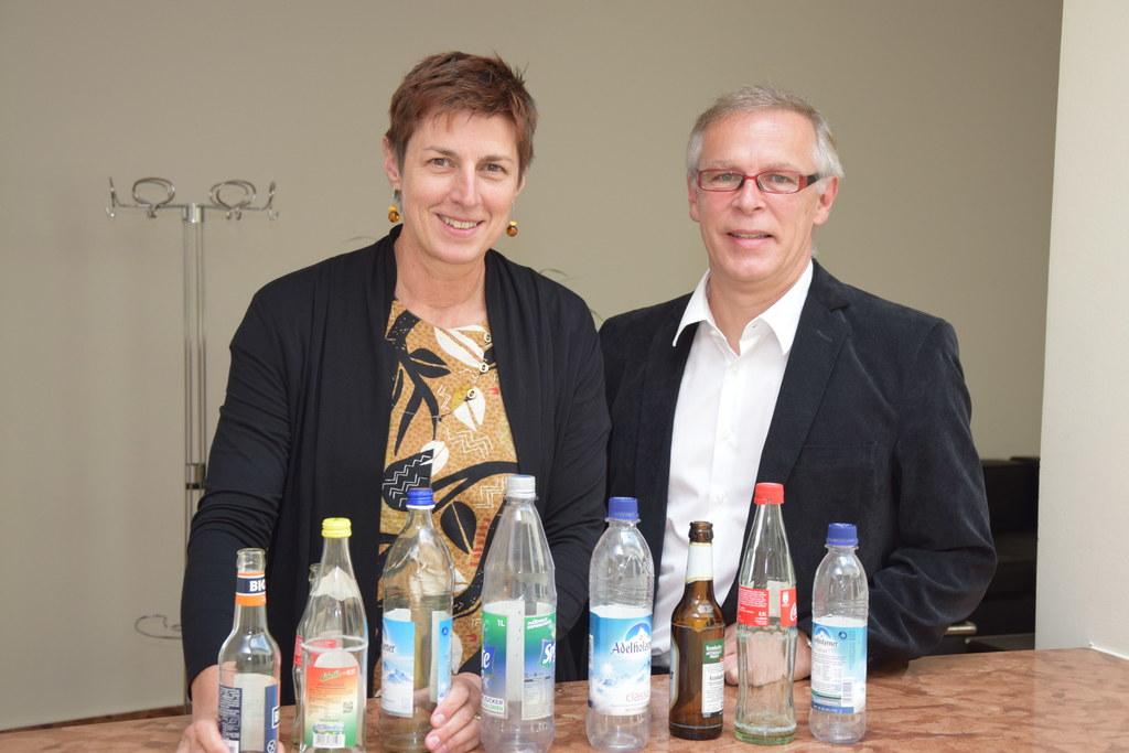 Landeshauptmann-Stellvertreterin Astrid Rössler und Wilfried Mayr (Referat Abfal..