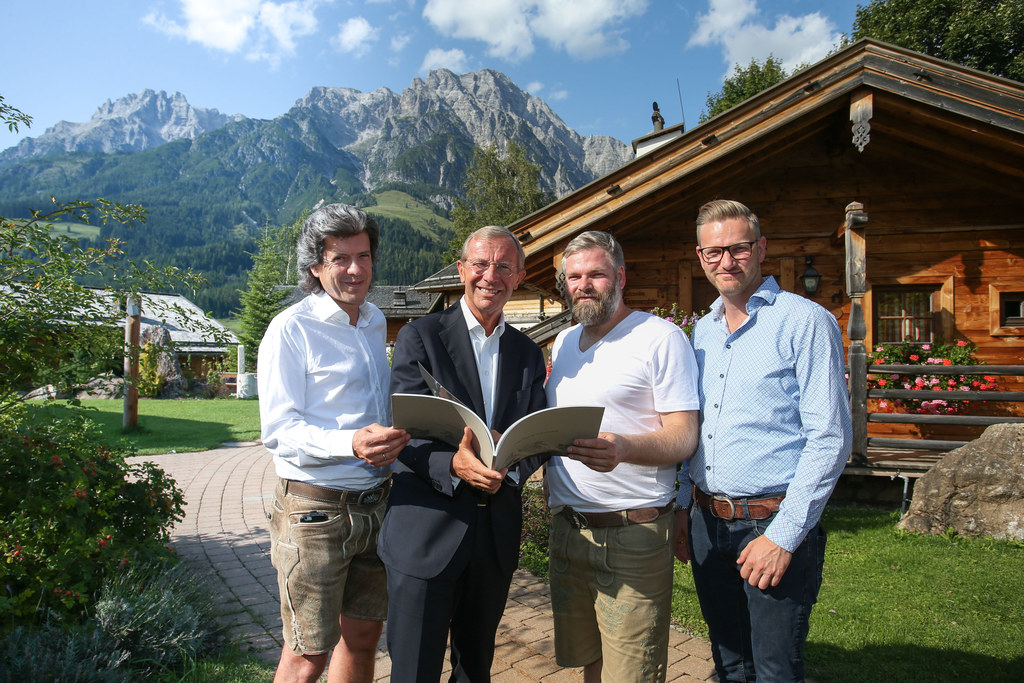 Franz Piffer (Architekt), LH Wilfried Haslauer, Michael und Philipp Madreiter.