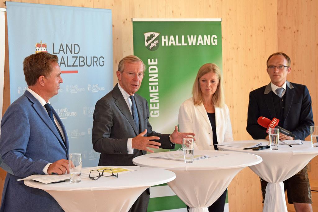 Johannes Plötzeneder (Amtsführender Präsident des Landesschulrates für Salzburg)..