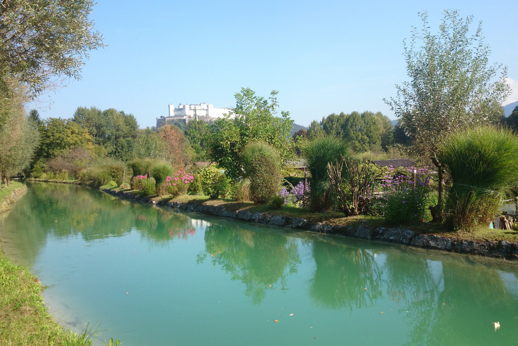 Seit mehr als 700 Jahren versorgt bayerisches Wasser über den Almkanal die Stadt..