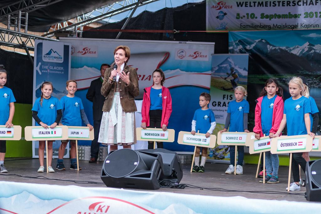 Landtagspräsidentin Brigitta Pallauf bei der Eröffnung der Grasski-Weltmeistersc..