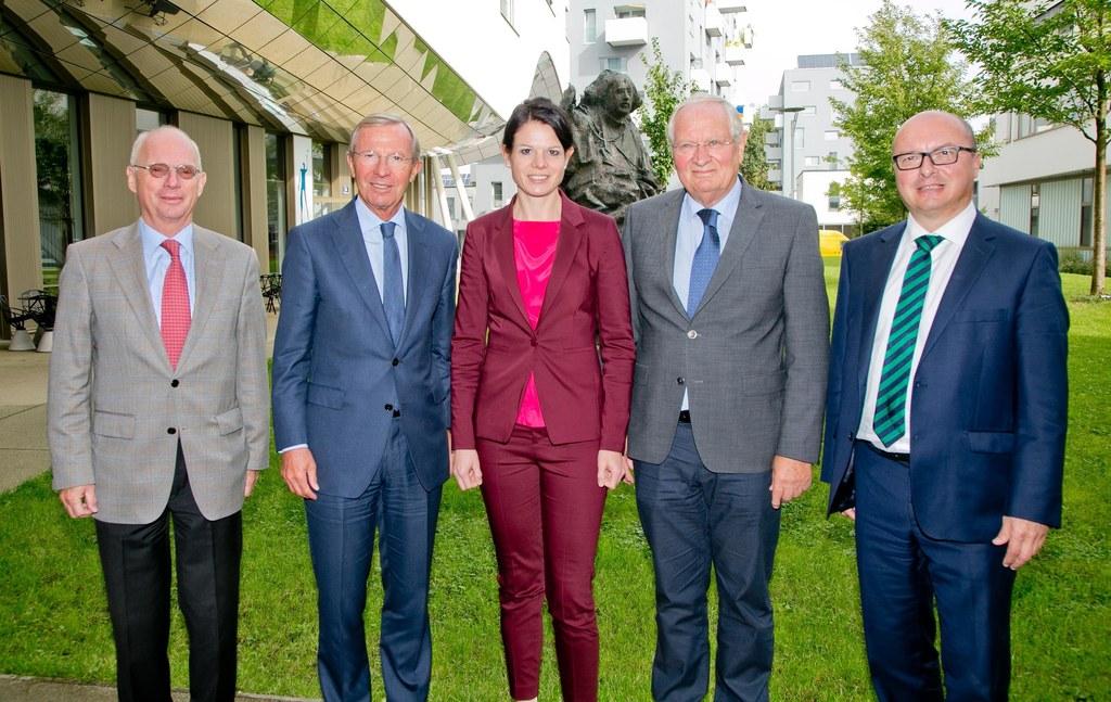 Im Bild von links: Friedrich Hillebrand, Ever Pharma Gruppe; Wilfried Haslauer, ..