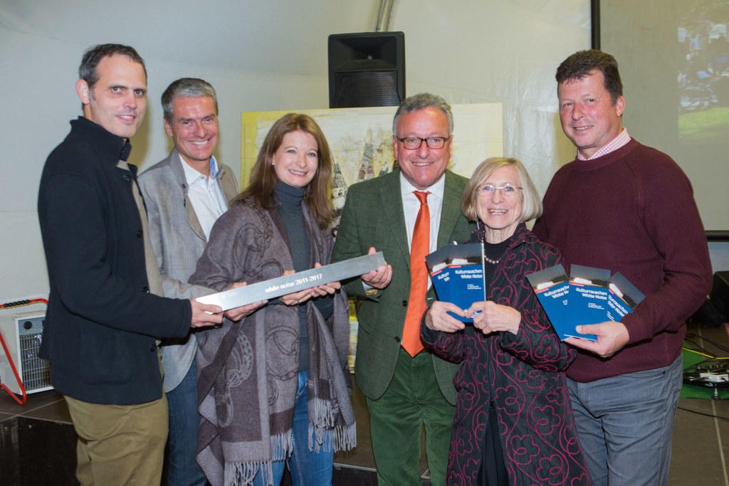 Im Bild von links: Martin Oberascher (Architekt), Christian Nagl (Landesbaudirek..