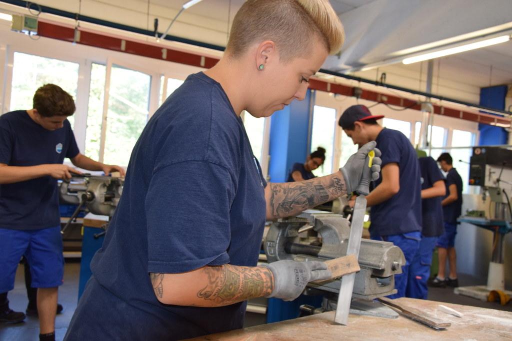 Die Ausbildung ist der Schlüsselfaktor für die Weiterentwicklung des Industriest..