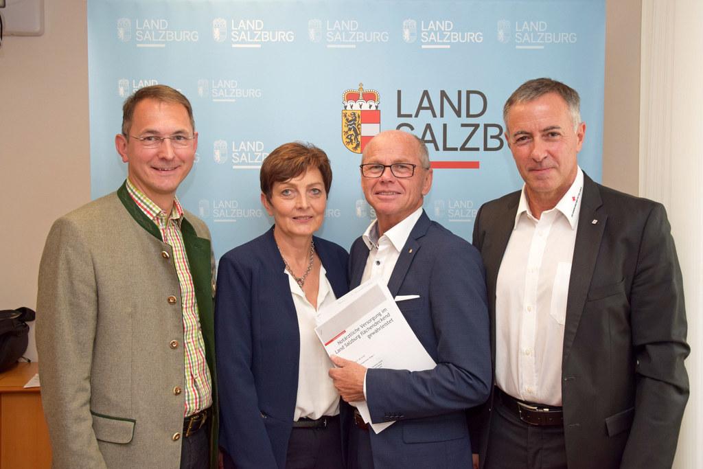 Bgm. Adi Rieger, LAbg. Theresia Neuhofer, LH-Stv. Christian Stöckl und Anton Hol..