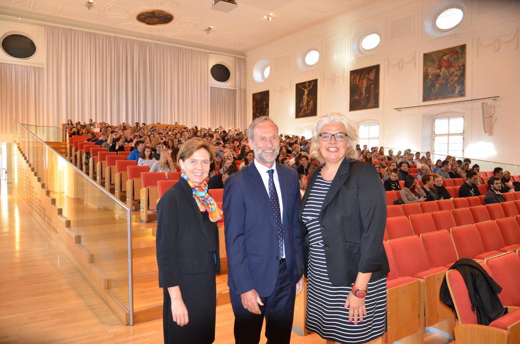 Landtagspräsidentin Brigitta Pallauf, Univ.-Prof. Erich Müller (Vizerektor für L..