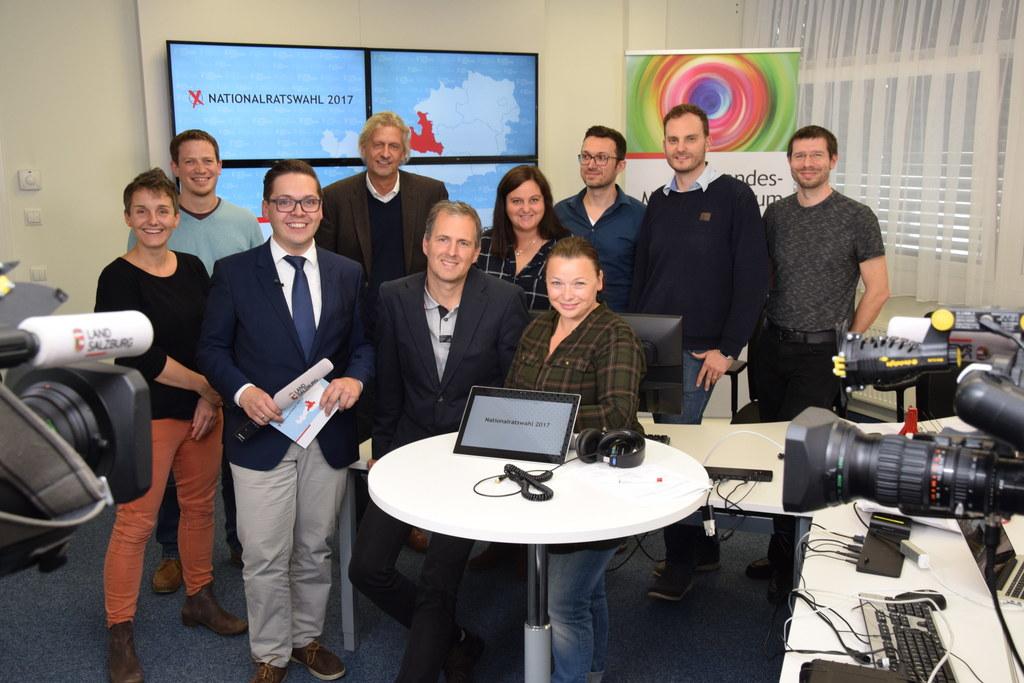 Das Team der Live-Übertragung besteht aus Mitarbeitern der Statistik, des Medien..