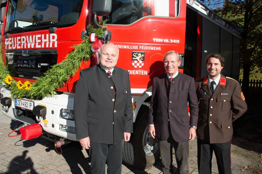 Bgm. Klaus Portenkirchner, Landeshauptmann Wilfried Haslauer und OFK Walter Geba..