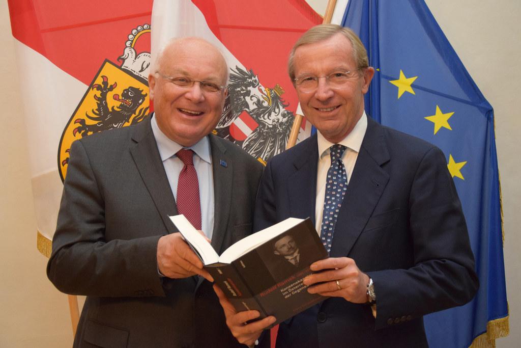 Landeshauptmann Wilfried Haslauer und Landeshauptmann a.D. Franz Schausberger be..
