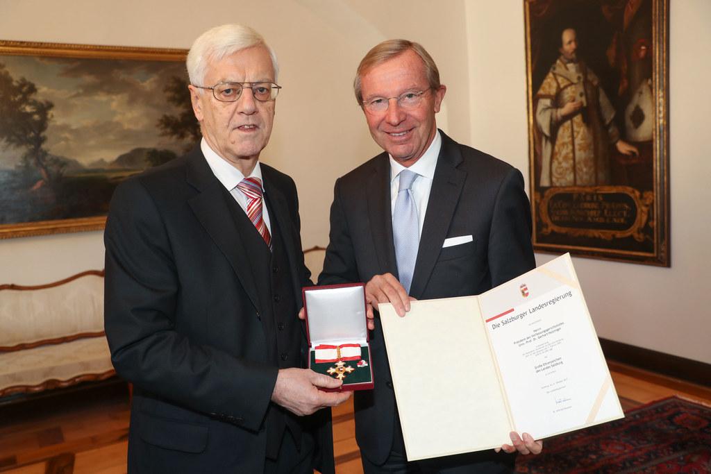 Präsident des Verfassungsgerichtshofs, Gerhart Holzinger, von Landeshauptmann Wi..