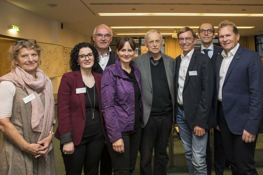 v.l.: Pauline Krimbacher, Petra Kocher, Alois Dürlinger, Landesrätin Martina Ber..